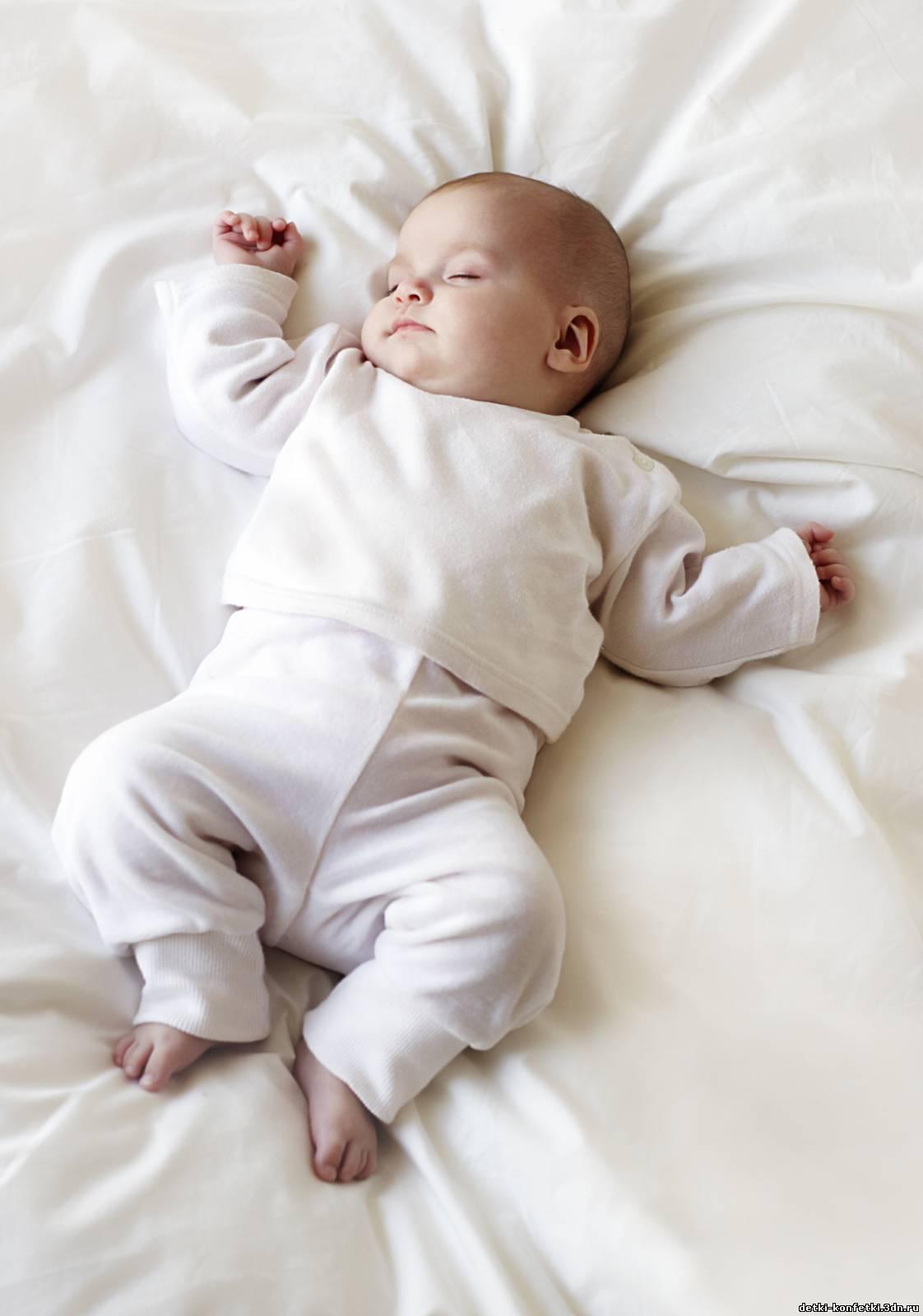 Спят без одежды фото 11 фотография